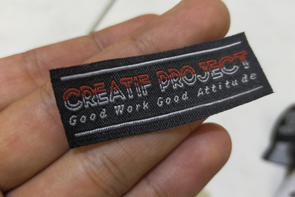 sample label baju creatif