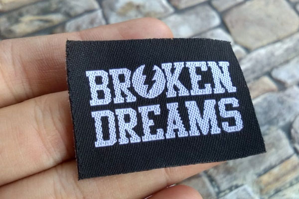 sample label baju broken dreams